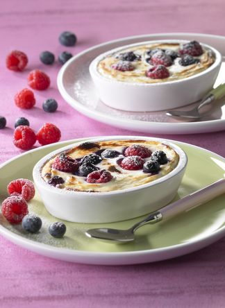 Fromage Frais au gratin with seasonal fruits
