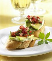 Crostini with avocado-cream