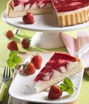Creamy colorful strawberry pie
