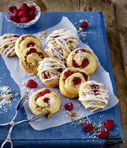 Raspberry-coconut-bun