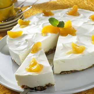 Cream-Cheese-Cake with apricots